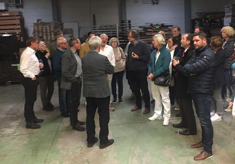 Besuch der Firma Inszenierung Holz
